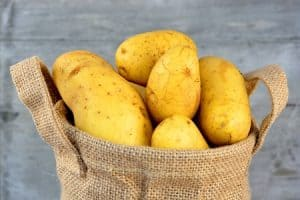 home remedies for dark circle ; potatoes