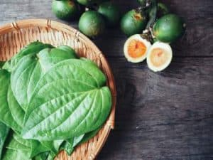 Valuable Health Benefits of Betel leaf ( Pan / Paan ka patta / Tambulam )