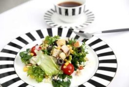 Top 10 Salad Recipes for Weight Loss